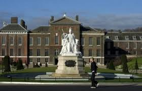Memorial to Queen Victoria outside of Kensington Palace