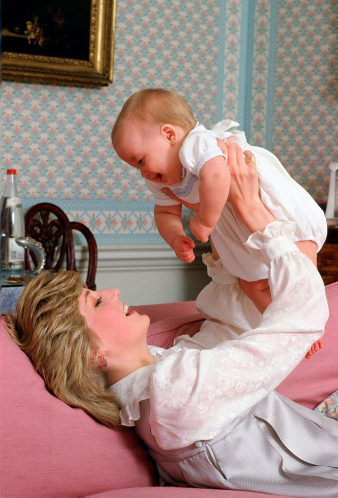 Diana+The+Princess+Of+Wales+Holding+Her+Baby+Son,+Prince+William+in+1983