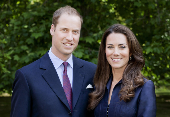 The-Duke-And-Duchess-of-Cambridge-Official-Tour-Portrait-prince-william-and-kate-middleton-23181108-594-409