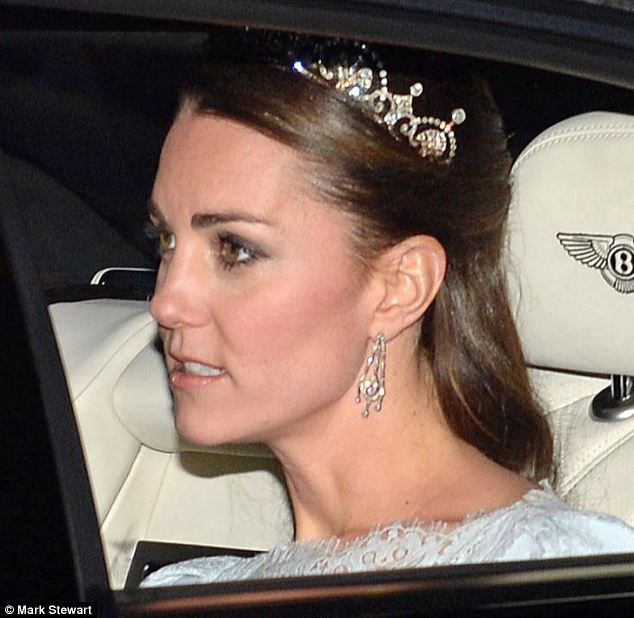 Kate in the Lotus Flower Tiara en route to Buckingham Palace on December 3, 2013 (via Daily Mail)