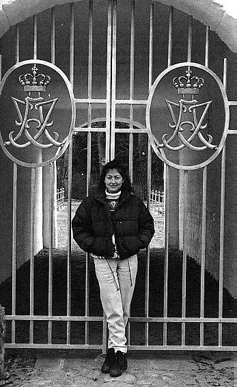 Princess Alexandra outside the gages of Schakenborg c. 1996 (via CountessAlexandra.net)