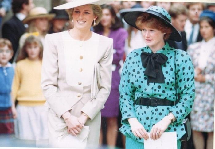 Diana & Sarah & polkadots (via Pinterest)
