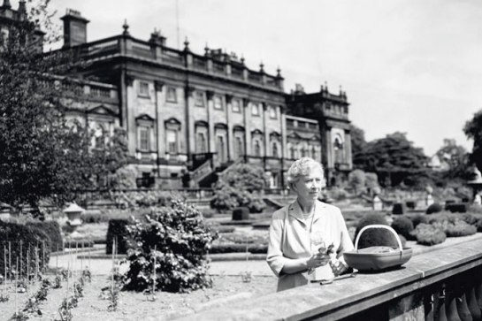 Princess Mary with Harewood House in the background (via Architectural Digest)