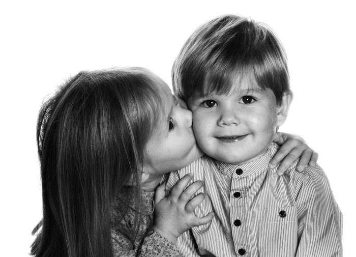 Bro & Sis (via )