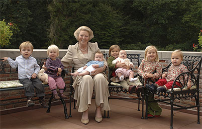 Beatrix & her Grandkids (via Ready for Royalty)