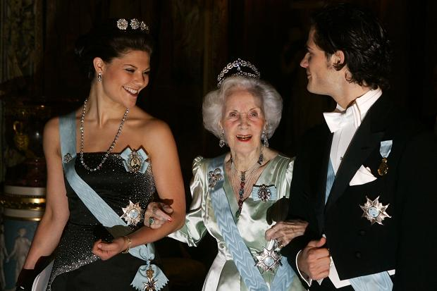 Princess Lillian with Princess Victoria and Prince (via The Times)