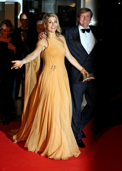 Willem-Alexander gets upstaged by Maxima because of course (via Zimbio)