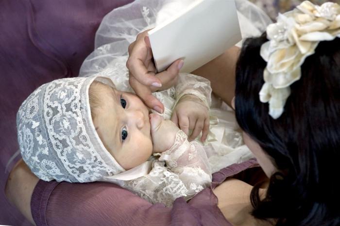 Princess Isabella on her christening day (via Kongehuset.net)