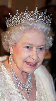 The Queen in one of her favourite tiaras (via The Daily Mail)