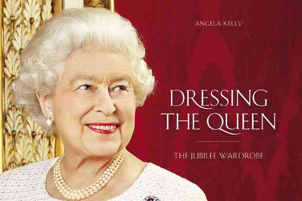 Dressing the Queen (via )