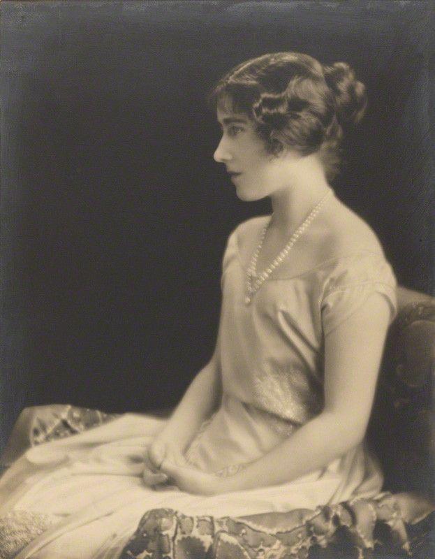 A portrait of Lady Elizabeth Bowes-Lyon c.1921 (via Pinterest)