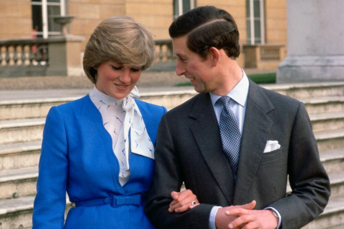 Charles & Diana on the grounds of Buckingham Palace (Source). Photo by Tim Graham/Getty Images